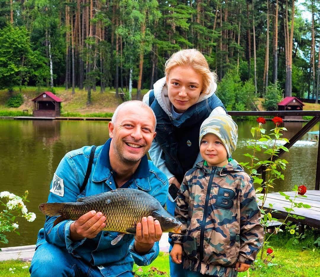 Оксана Акиньшина вышла всвет впервый раз после сообщений обеременности